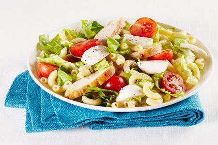салат из овощей и сыра
