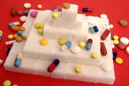 Таблетки и кубики сахара
